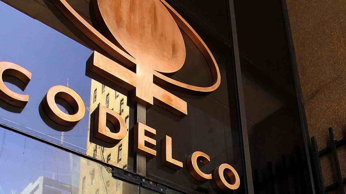 """Economista Julián Alcayaga: """"Desde el 2010 los gobiernos han querido privatizar Codelco"""""""