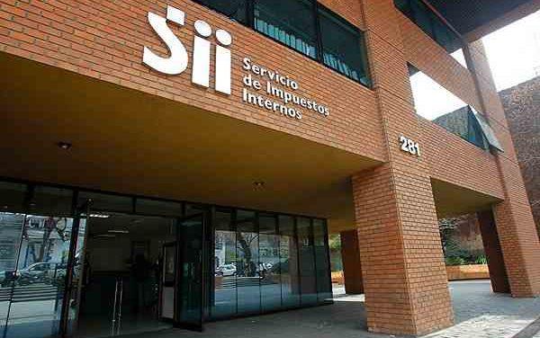 Funcionarios del SII exigen al gobierno definir la dirección de la entidad