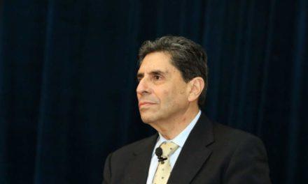 Mauricio Rojas presenta su renuncia al ministerio de las Culturas