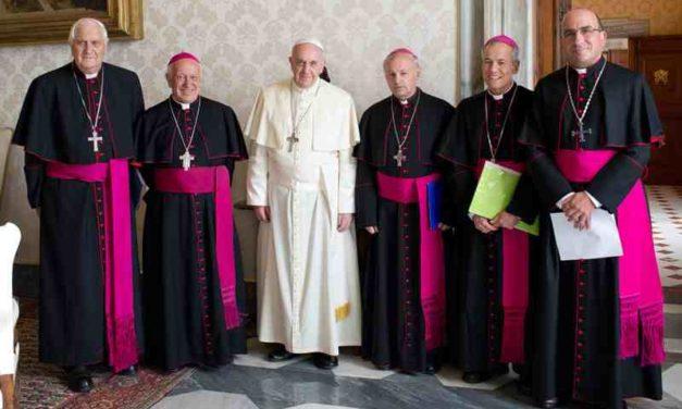 Centro Diego de Medellín propone sacerdocio femenino y fin al celibato para superar crisis