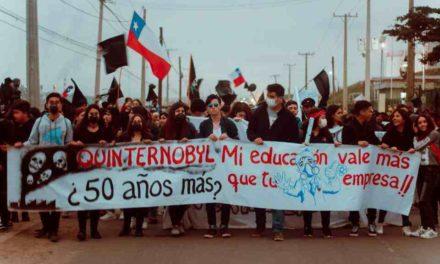 Vecinos de Quintero exigen al Gobierno que detenga faenas de empresas contaminantes
