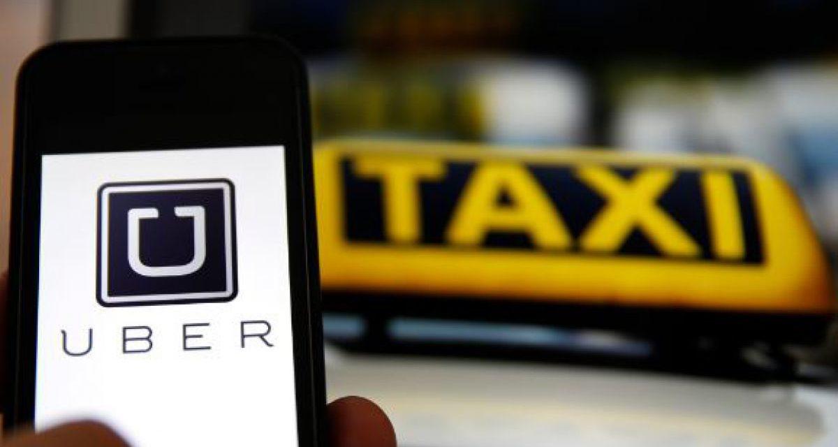 Autoridades y taxistas se reúnen por Ley Uber