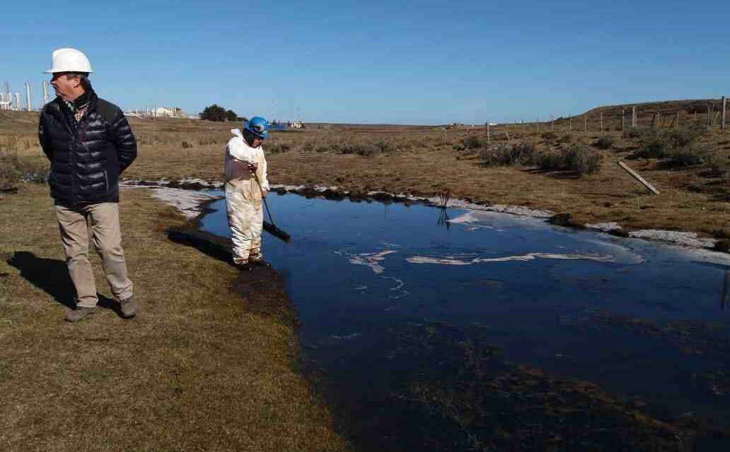 Derrame en Magallanes: Autoridades aseguran que está controlado