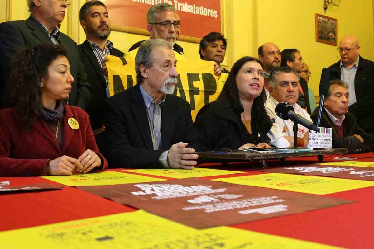 """Coordinadora No+AFP y la CUT anuncian """"proceso ascendente de movilización social"""""""
