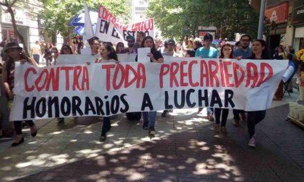 Trabajadores a honorarios realizan movilización nacional contra cotización en AFP
