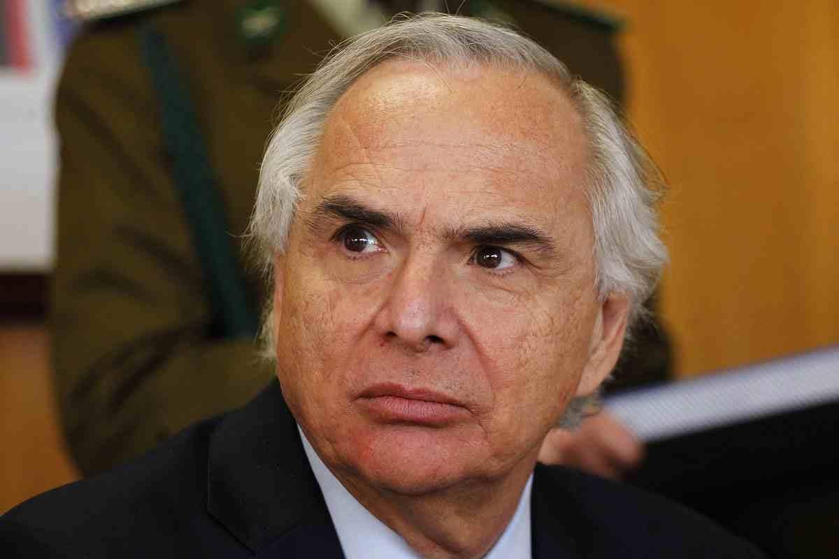 Se acaba el crédito: oposición pide destitución de Andrés Chadwick