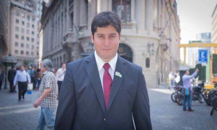 """Fundador de Felices y Forrados: """"AFP UNO es un traje a la medida para el Gobierno"""""""