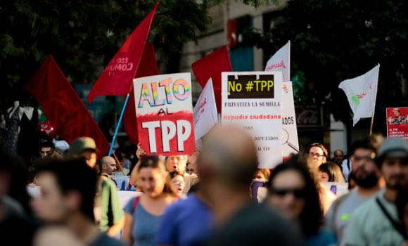 CUT y Chile Mejor Sin TLC llaman a parlamentarios a rechazar TPP-11