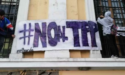 Estudiantes de la Universidad de Chile se toman Casa Central en rechazo al TPP 11
