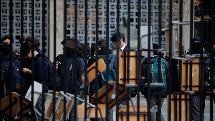 Instituto Nacional en toma: alumnos exigen centrar la discusión en la educación pública