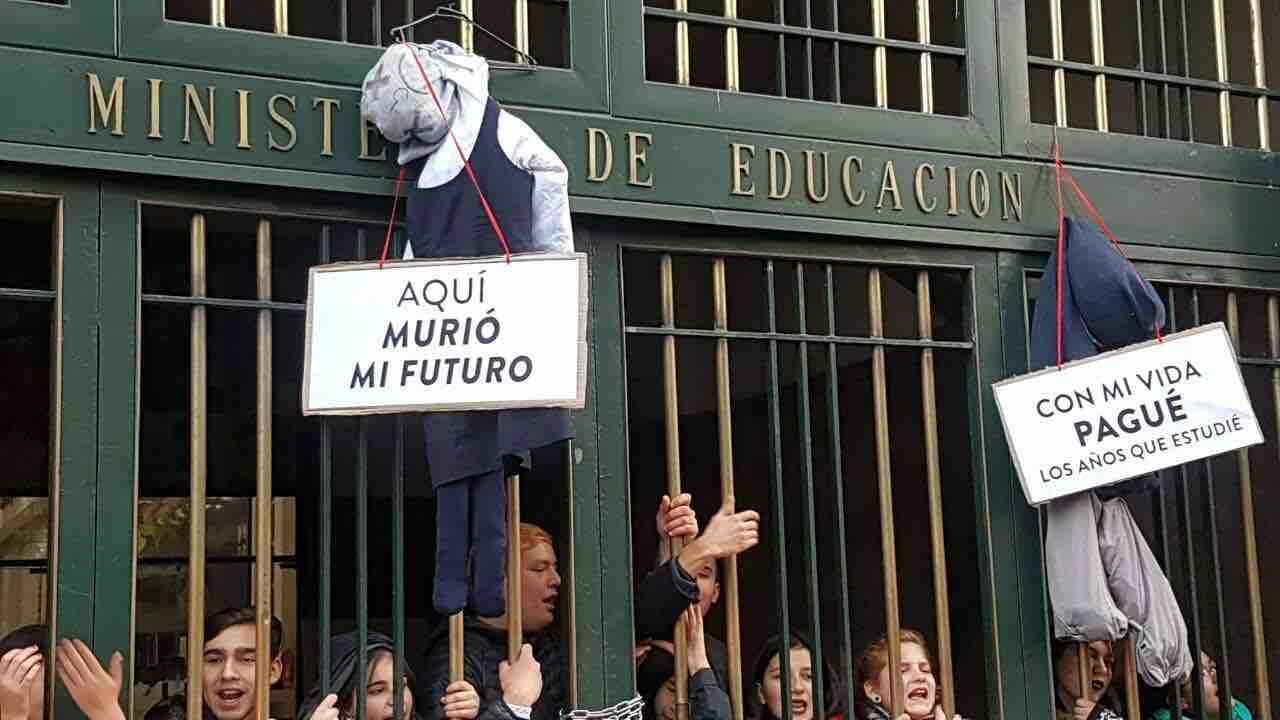"""""""En una racionalidad utilitarista"""": Directores envían carta a ministra Cubillos en rechazo al carácter electivo de Historia"""