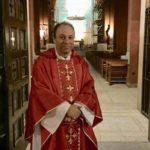 A menos de un mes de su nombramiento, obispo auxiliar de Santiago deja su cargo