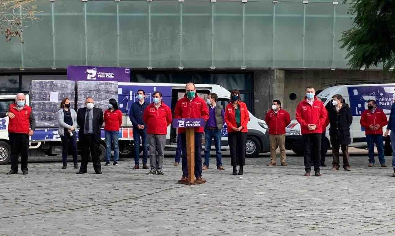 Vuelven las cajas: Gobierno lanza segunda entrega de alimentos desde el Movistar Arena